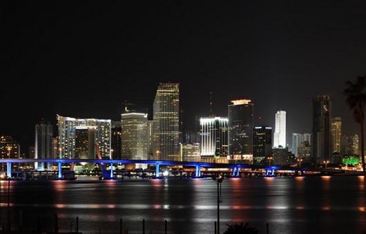Фотообои Ночной город Маями