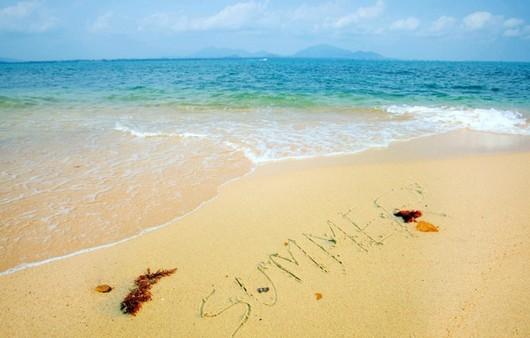 Фотообои Надпись на песке