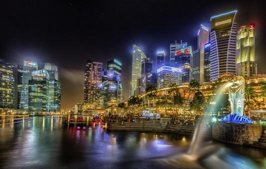 Сингапур вечером