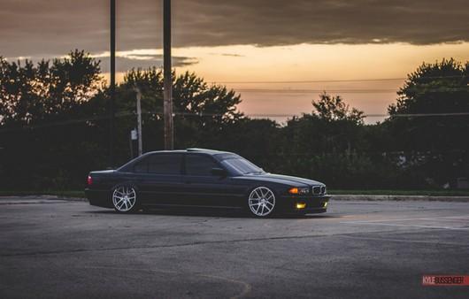 BMW e38 stance