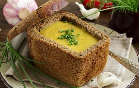 Фотообои Чечевичный суп с булкой