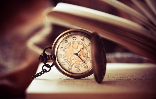 Часы на страницах книги