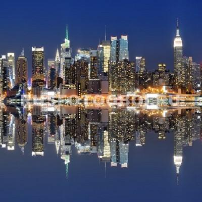 Фотообои Нью-Йорк отражение в воде