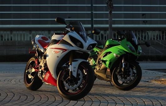 Фотообои мотоциклы Yamaha