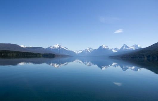 Фотообои Отражение гор в озере