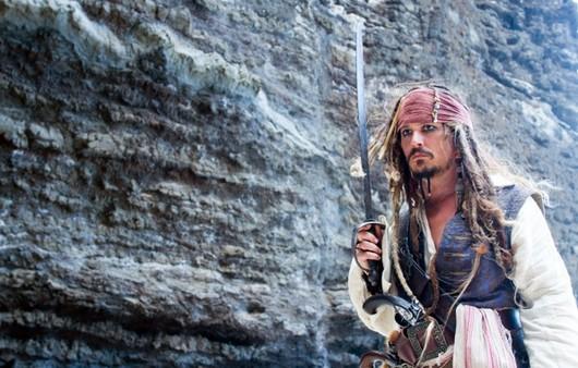 Джонни Депп в фильме Пираты карибского моря