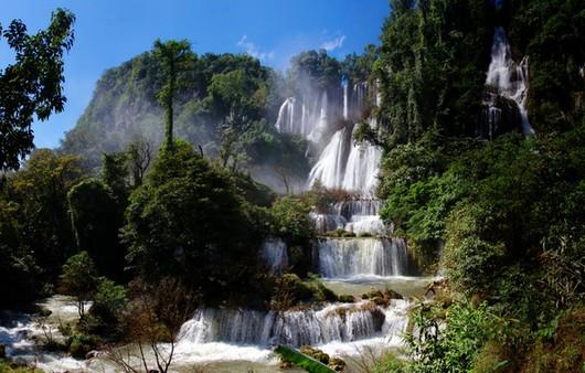 Природа Таиланда водопад Тело у