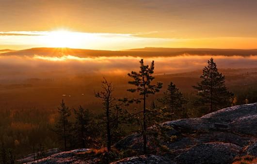 Вид с горы заходящего солнца