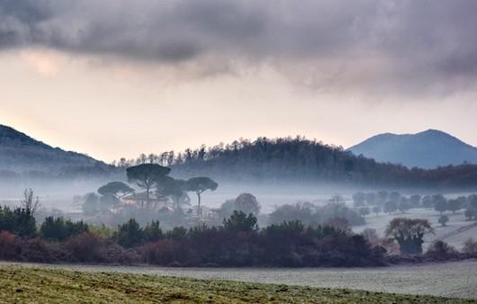 Горы в облачной дымке
