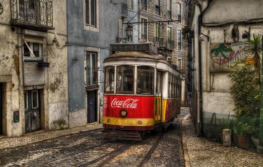 Трамвай с брендом кока-колы,Лиссабон