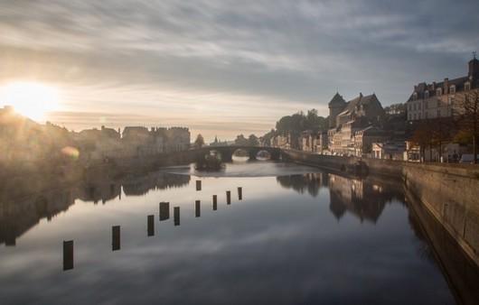 Река Майонез в  городе Лаваль,Франция
