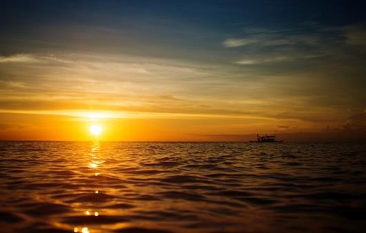 Фотообои Закат  с лёгким бризом на море