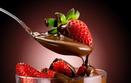 Фотообои Клубника в шоколаде
