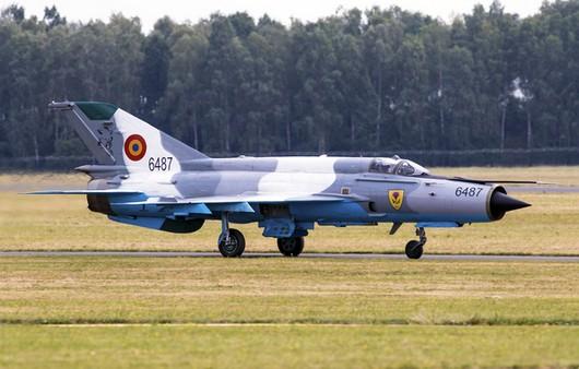 Много цельный истребитель МИГ-21