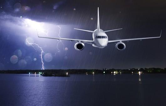 Самолёт садящийся на посадку из за непогоды