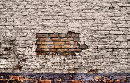 Имитация  новой кладки кирпича на старом здании