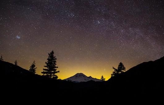 Фотообои Чарующий закат в горах