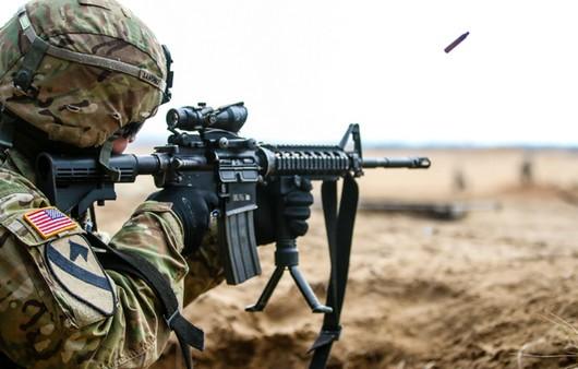 Фотообои Мужчина в военной экипировке