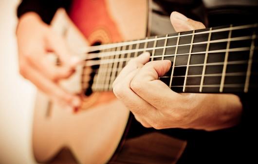 Игра на гитаре шестиструнке