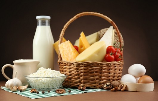 Сыры из коровьего молока с деревенскими яйцами