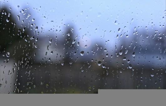 Брызги дождя на стекле