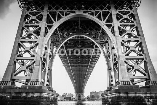 Под Бруклинским мостом