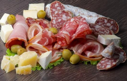 Фотообои Мясное ассорти с сыром