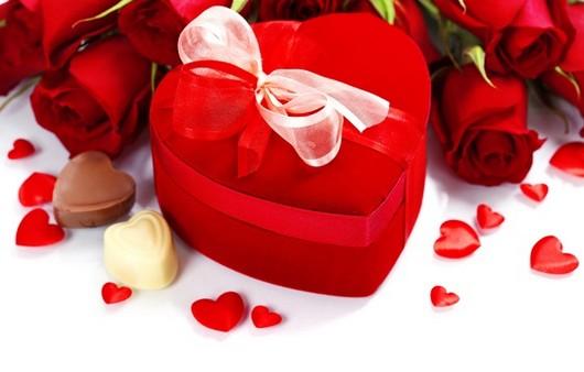 Романтическая коробка с конфетами