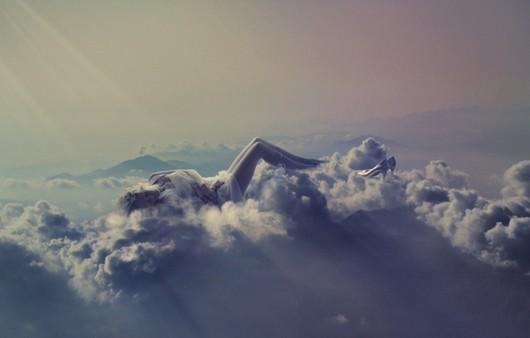 Горные вершины в облаках