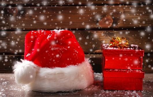 Рождественский колпак с подарками