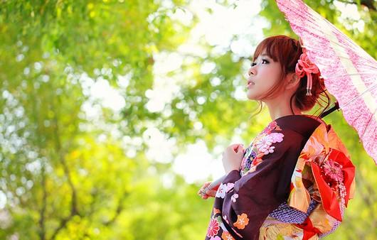 гейша с зонтом