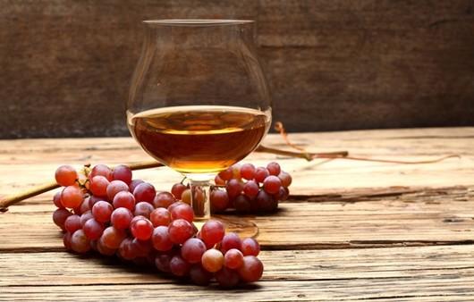 Фотообои вино с виноградом