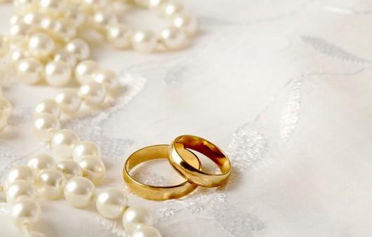 брак людей