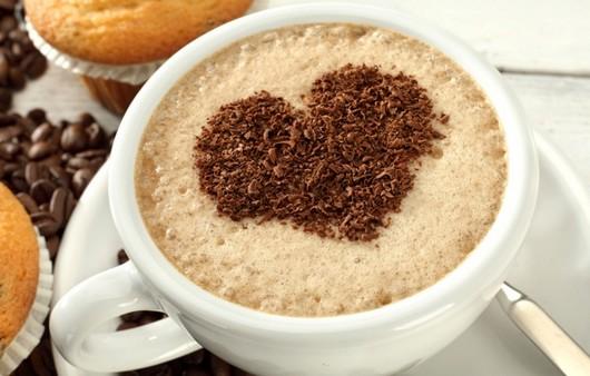 кафе с формой сердечки