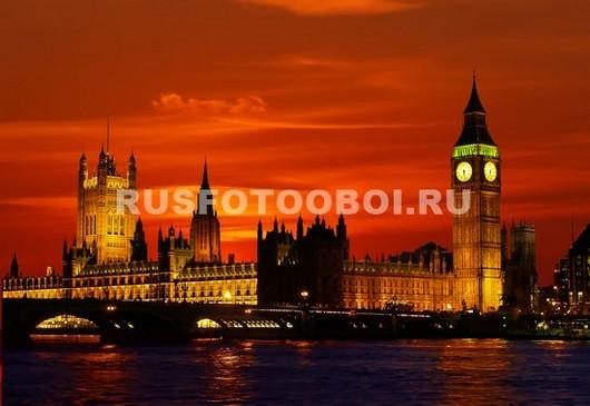 Красный закат в Лондоне