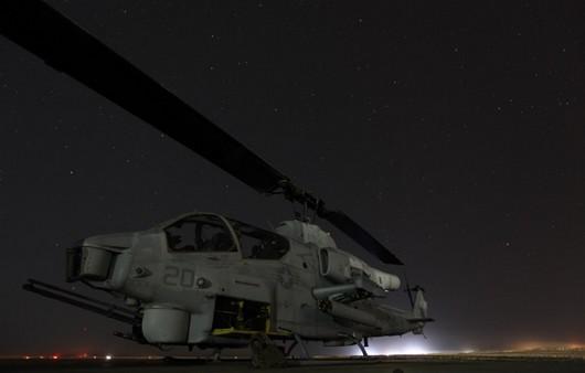 вертолет AH-1W Cobra