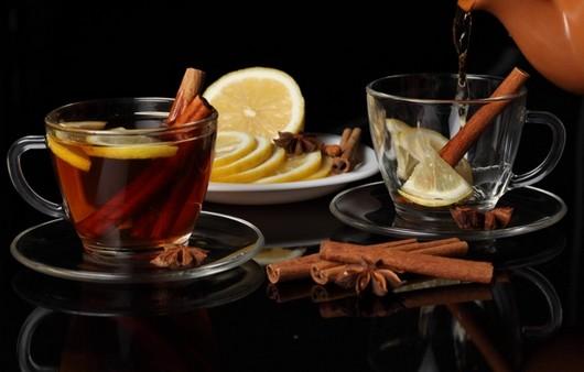 чай с лимоном и корицей