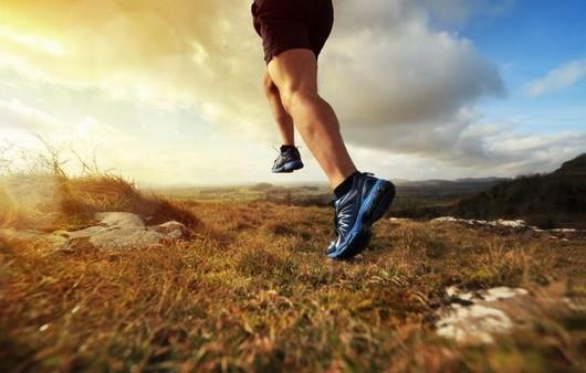 Фотообои мужчина на пробежке