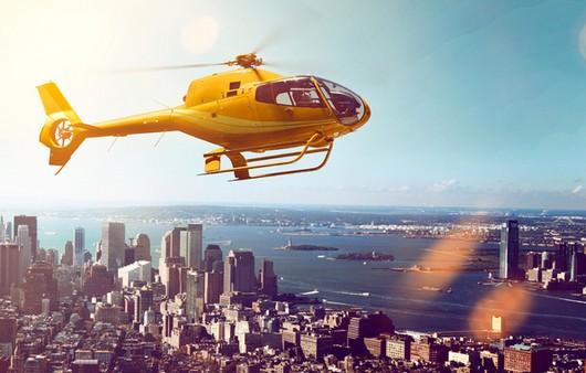 вертолет над небоскребами