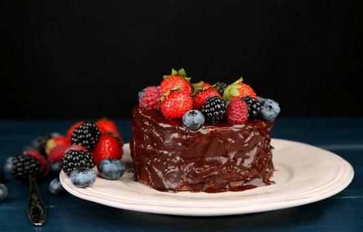 ягоды с шоколадом