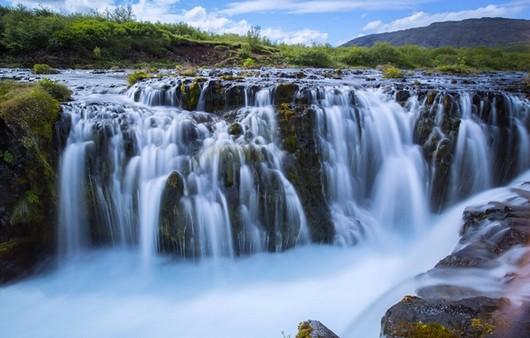 Фотообои зеленые водопады