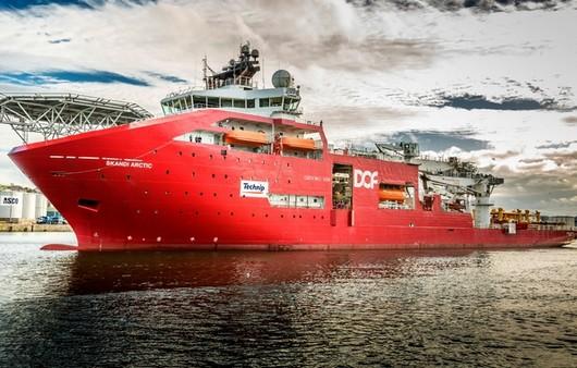 Фотообои красный крейсер