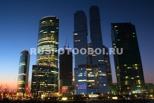 Фотообои Ночной небоскреб
