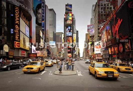 Шумная улица в Нью-Йорке