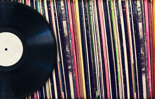 Музыкальная винтажная пластинка