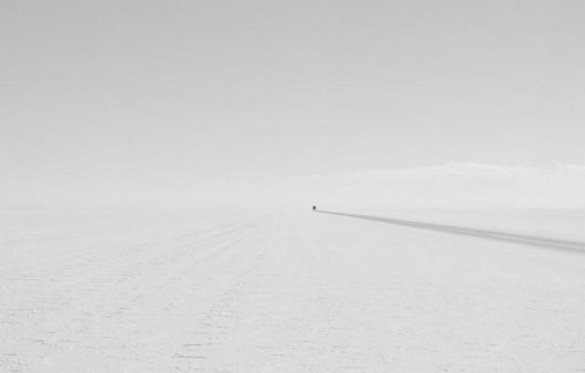 Дорога в стиле минимализм