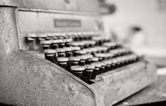 Старинная печатная машинка в макросъемке