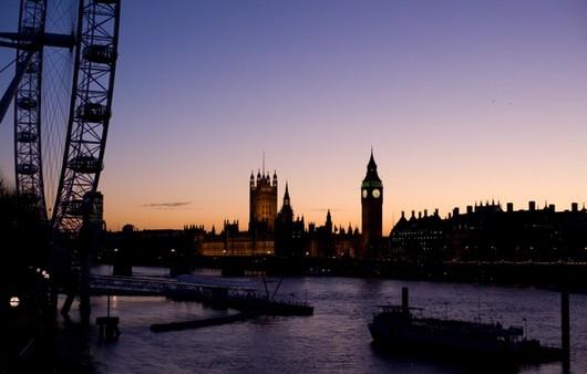 Корабль в лондонском порту