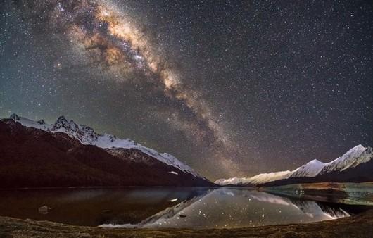 Фотообои Ночное звездное небо в горах