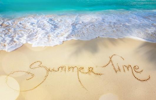 Фотообои Надпись Летнее время на песке